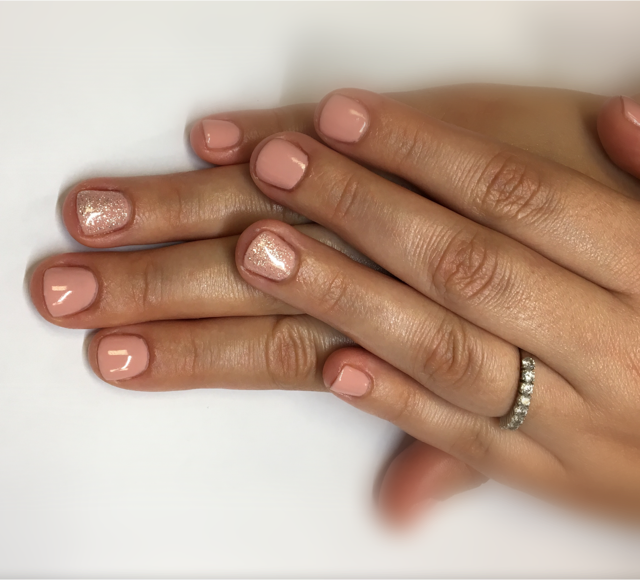 Pose de vernis semi permanent